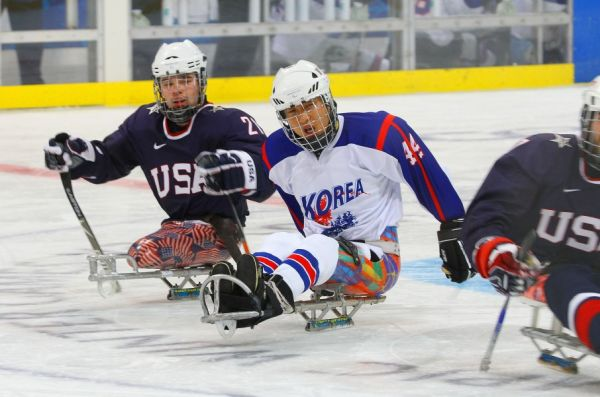 韓国のパラリンピック.スキー選手韓国のスキー選手が長年 (5年かまたは10年 ) の厳しい訓練を経た後も「パラリンピックの夢」が壊れていた, 出場権を得なかった