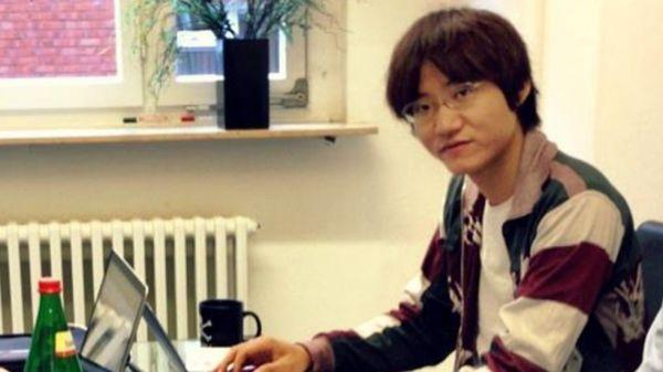 謎ようなの主人公 ! 28歳の日本人男性...重田光時