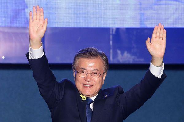 将来「南北統一朝鮮国」金正恩大統領の助手文在寅が殺人犯に :『ようこそ ! 同志 ! 』