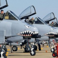 航空機で侵入する ! 戦争の準備 ! 最前線にあるの A-10「対戦車」 対戦車攻撃機 !
