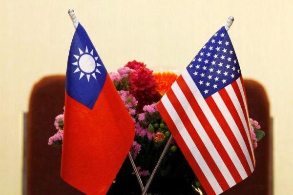 日本と同じ, 台湾もアメリカの最高の同盟国のそのひとり !!! 米,日,台の三カ国同盟....万歳 ! 万歳 ! 万万歳 !!!