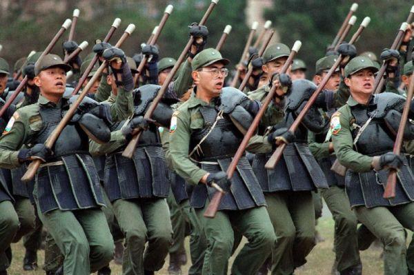 ♥♥♥ とても親切なの台湾軍人ら !  頑張れ !!! ♥♥♥ !