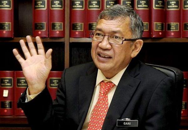 「正義の味方」の Abdul Gani Patail 元検事総長