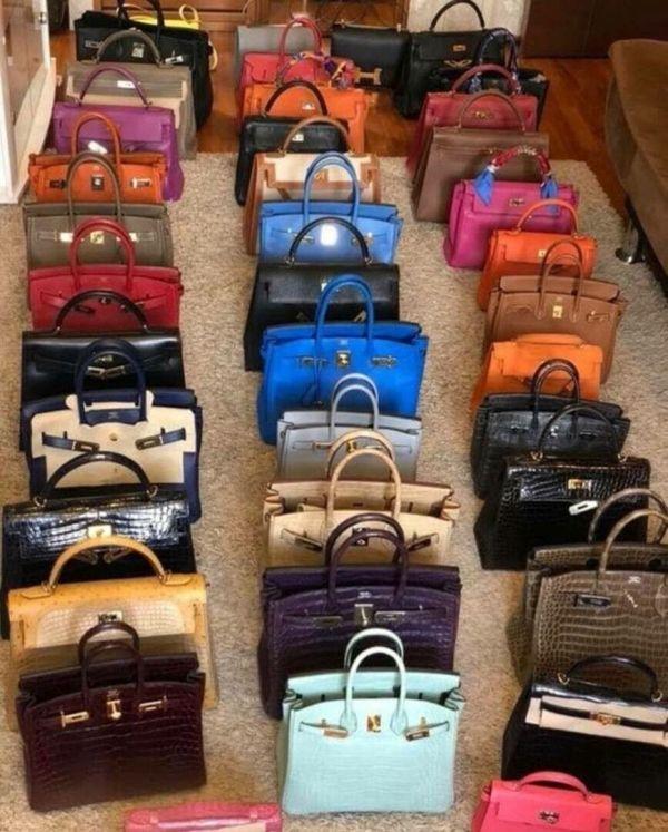 海賊妻の家に没収された高価なブランドのエルメスバーキン バッグ