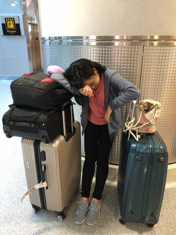 お疲れ様でした ! イギリスからニューヨークまではさらに8時間が必要.....疲れたもん !