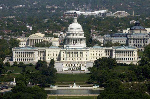 アメリカ合衆国議会議事堂の東側正面